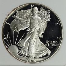 Lot 313: 1986 AMERICAN SILVER EAGLE