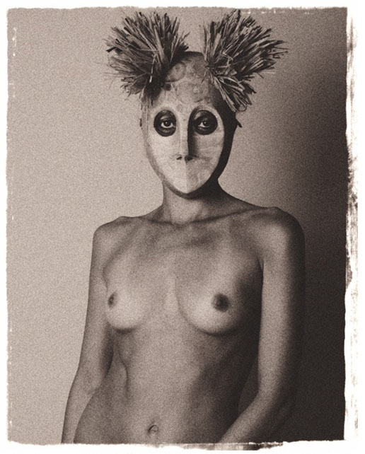 Messias Schneider, Mask II, Photograph