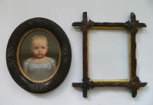 2 Wooden frames