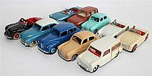 TEN DINKY TOYS CARS, INCLUDING 'AUSTIN HEALEY' AND 'PEUGEOT 404 PININFARINA, 528'. (10)