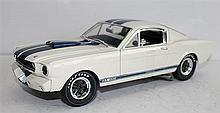A SHELBY COLLECTABLES 'FORD MUSTANG GT 350'.