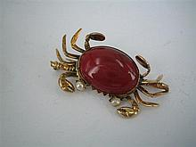 A CORNELIAN, PEARL AND GOLD CRAB BROOCH; marked 14k. Weight (all in) 7.2g.