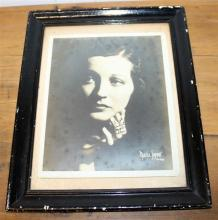 A VINTAGE FRAMED PHOTOGRAPH, signed by the subject. Australina. Circa 1920.