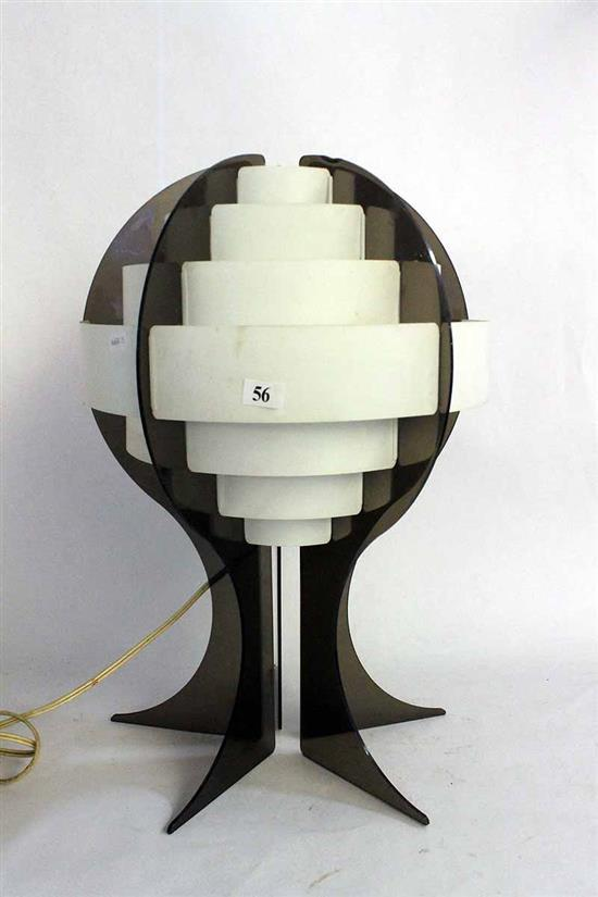 A RETRO TABLE LAMP IN WHITE AND SMOKY ACRYLIC Circa 1960