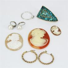 A GROUP OF JEWELLERY PIECES, including cameo, earrings.