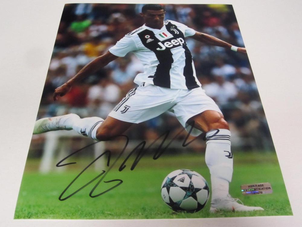 Cristiano Ronaldo Signed Autographed 8x10 Photo Certified Coa