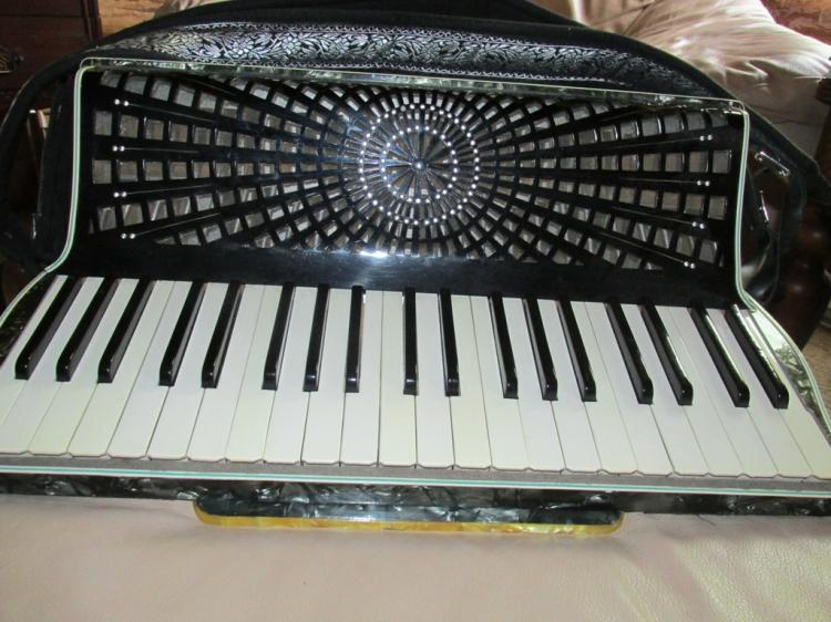 Vintage beautiful Rossini Accordion