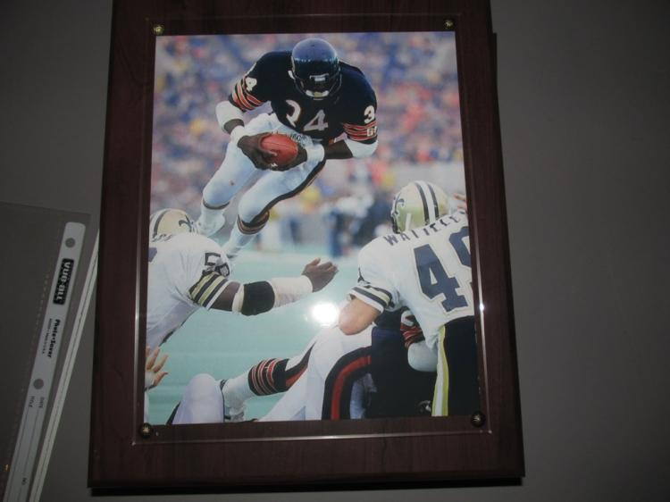 Very nice wall plaque of Walter Payton