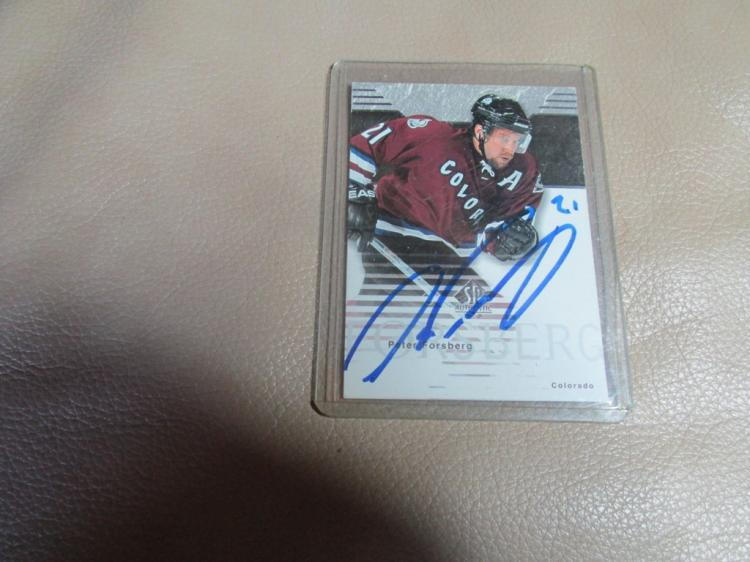 Peter Forsberg card #22 autographed