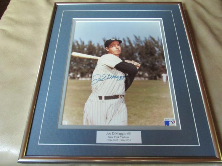 Beautiful Framed signed Joe Dimaggio photo