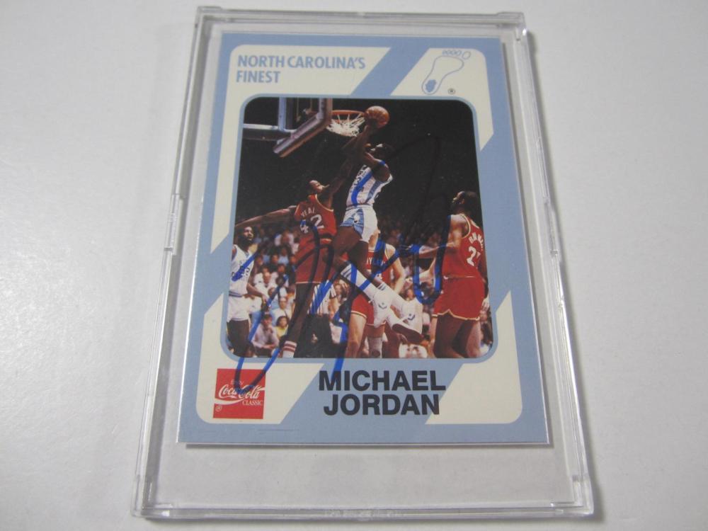 MICHAEL JORDAN SIGNED AUTOGRAPHED BULLS CARD COA