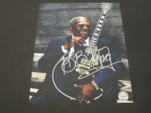 Lot 77: BB KING SIGNED AUTOGRAPHED 8X10 COA