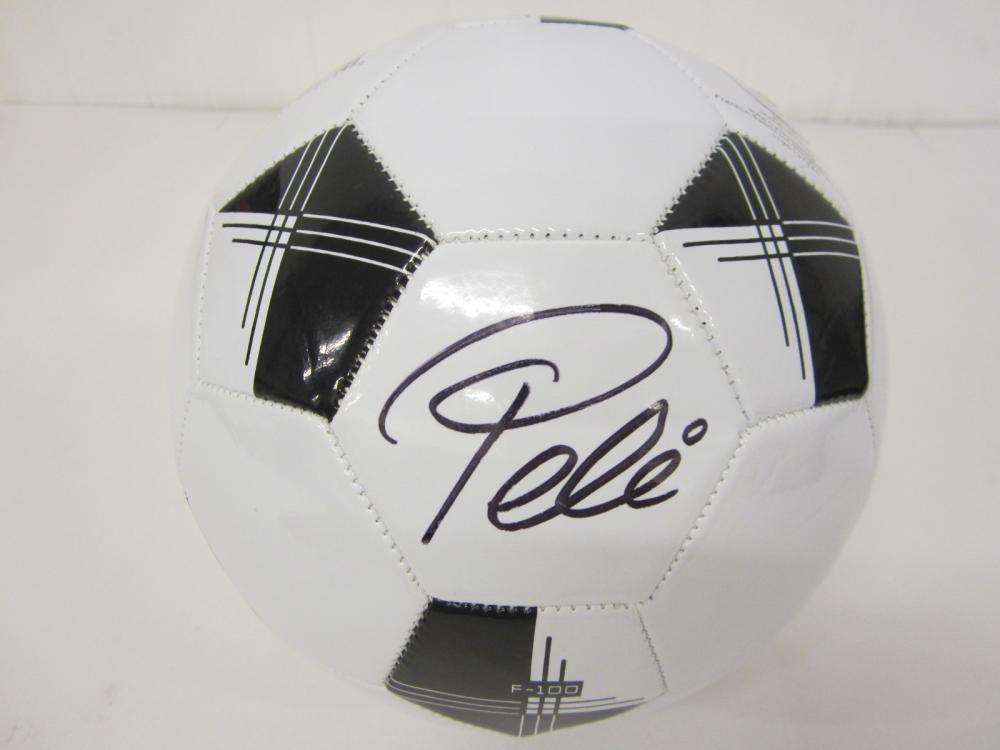 Lot 118: PELE SIGNED AUTOGRAPHED SOCCER BALL COA