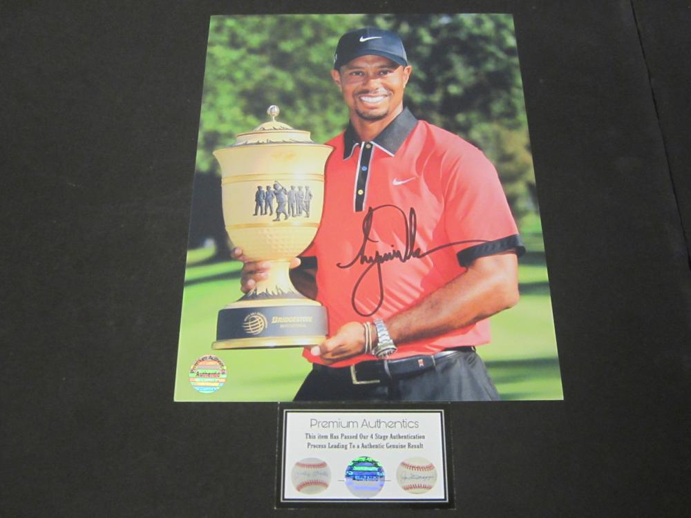TIGER WOODS SIGNED AUTOGRAPHED PGA GOLF 8X10 COA