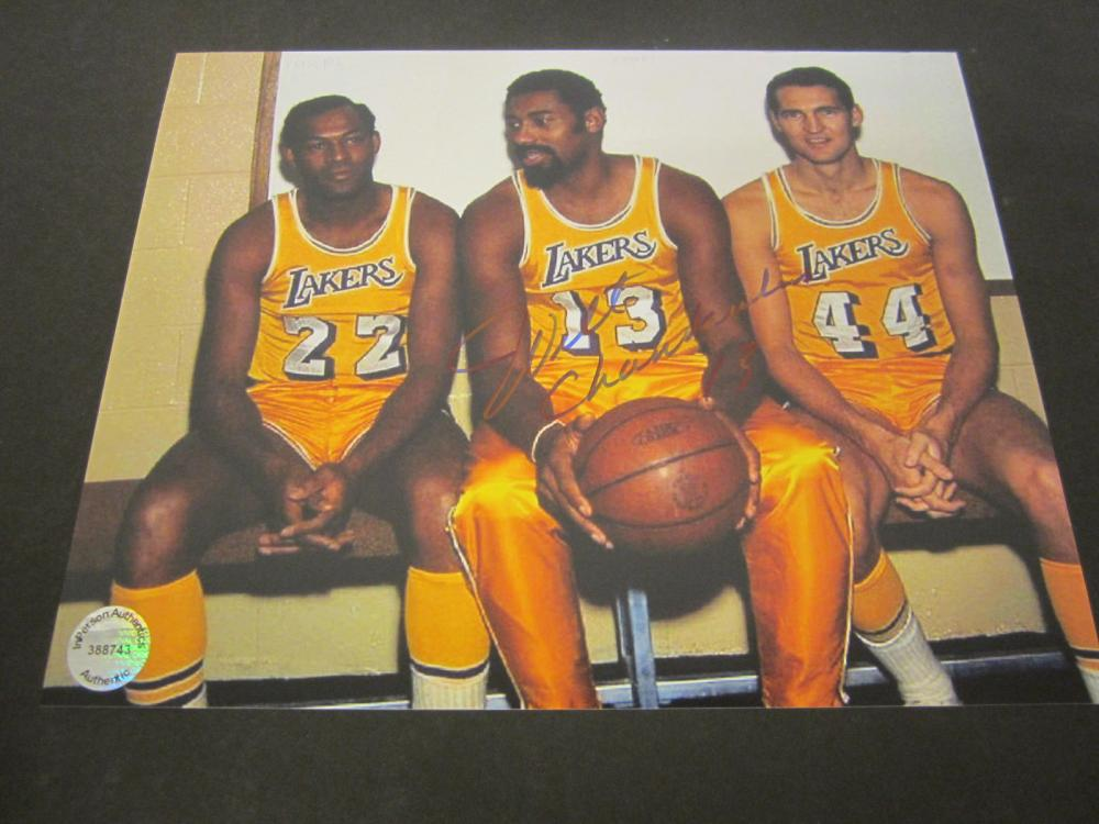 Lot 182: WILT CHAMBERLIN SIGNED AUTOGRAPHED LAKERS 8X10 COA
