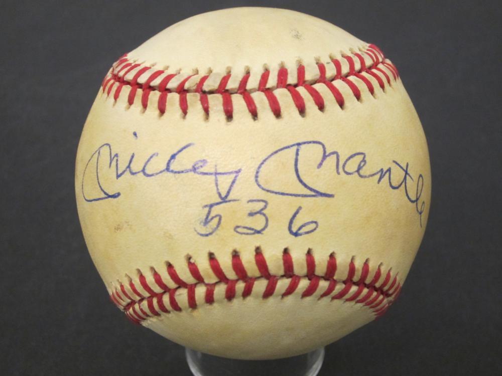 Lot 188: MICKEY MANTLE SIGNED AUTOGRAPHED BASEBALL COA