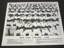 Lot 197: MICKEY MANTLE SIGNED AUTOGRAPHED YANKEES 8X10 COA