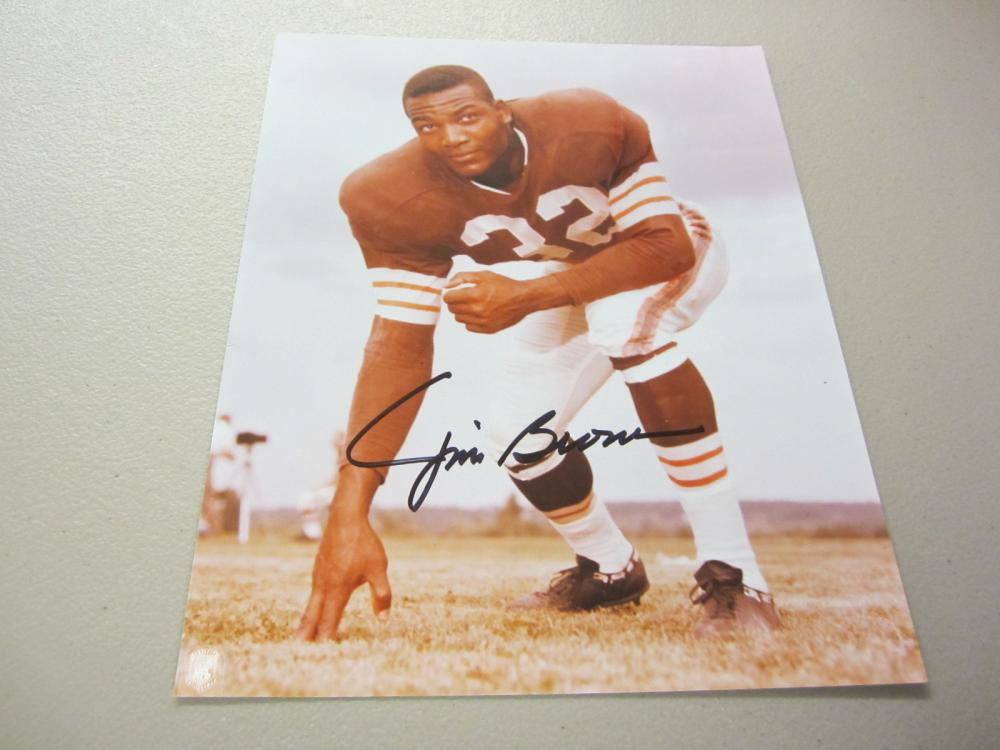 Lot 285: JIM BROWN SIGNED AUTOGRAPHED BROWNS 8X10 COA