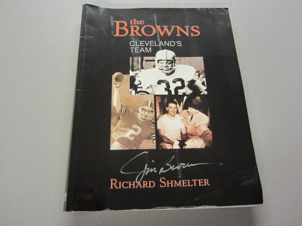 Lot 368: JIM BROWN SIGNED AUTOGRAPHED BROWNS MAGAZINE COA