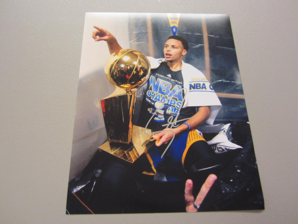 Lot 402: STEPHEN CURRY SIGNED AUTOGRAPHED WARRIORS 11X14 COA