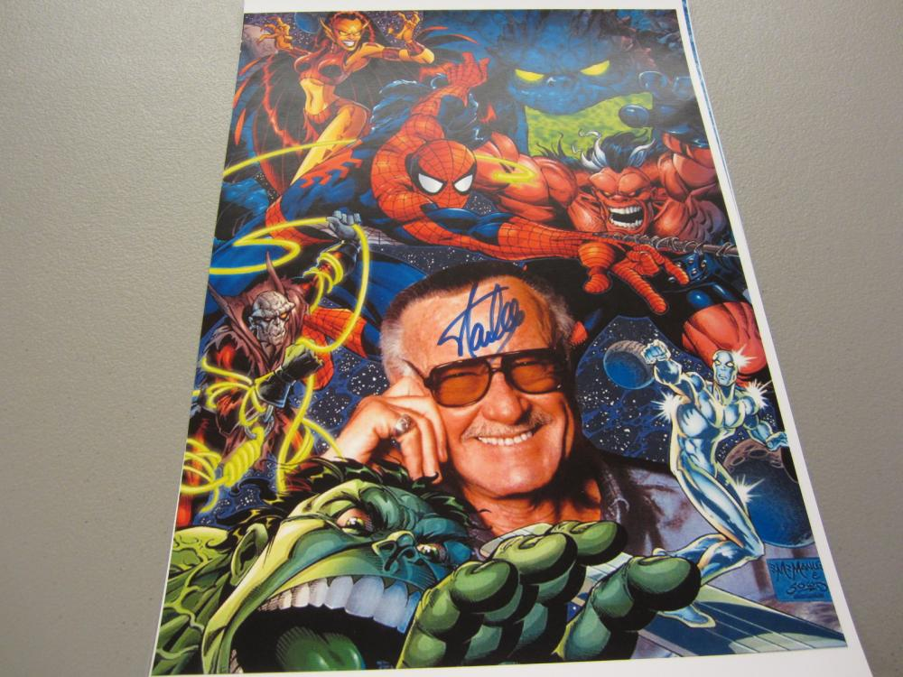 Lot 394: STAN LEE SIGNED AUTOGRAPHED MARVEL 11X17 COA