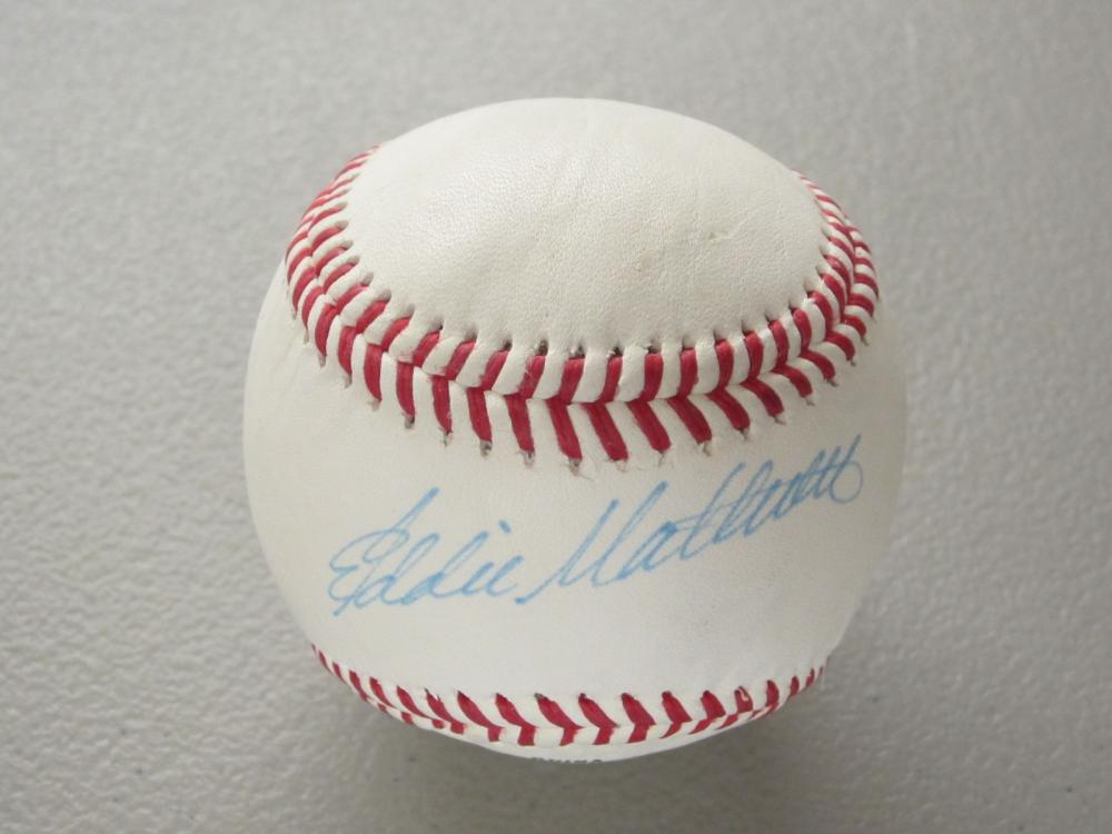 Lot 501: EDDIE MATTHEWS SIGNED AUTOGRAPHED BASBALL COA