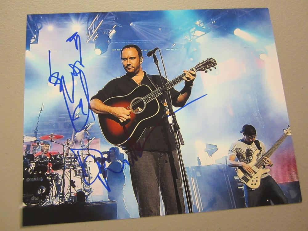 Lot 618: DAVE MATTHEWS SIGNED AUTOGRAPHED 8X10 W/DRAWING COA