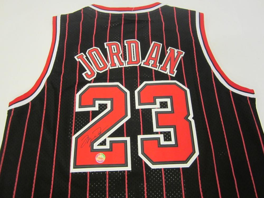 Lot 757: Michael Jordan Bulls signed autographed Jersey Certified Coa