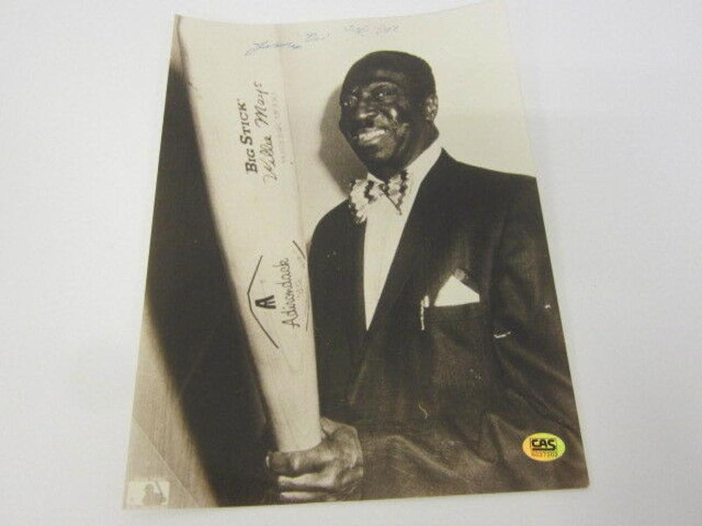 """Lot 879: James """"Cool Papa"""" Bell Signed Autographed 8x10 Photo Certified CoA"""
