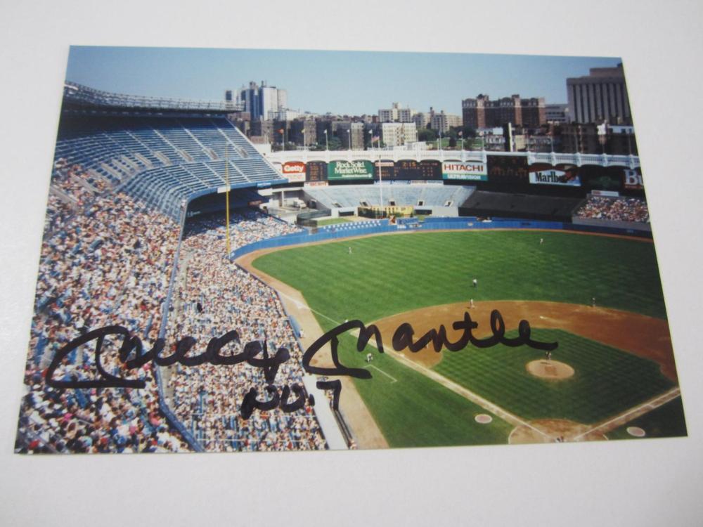 Lot 896: MICKEY MANTLE NEW YORK YANKEES SIGNED STADIUM PHOTO COA