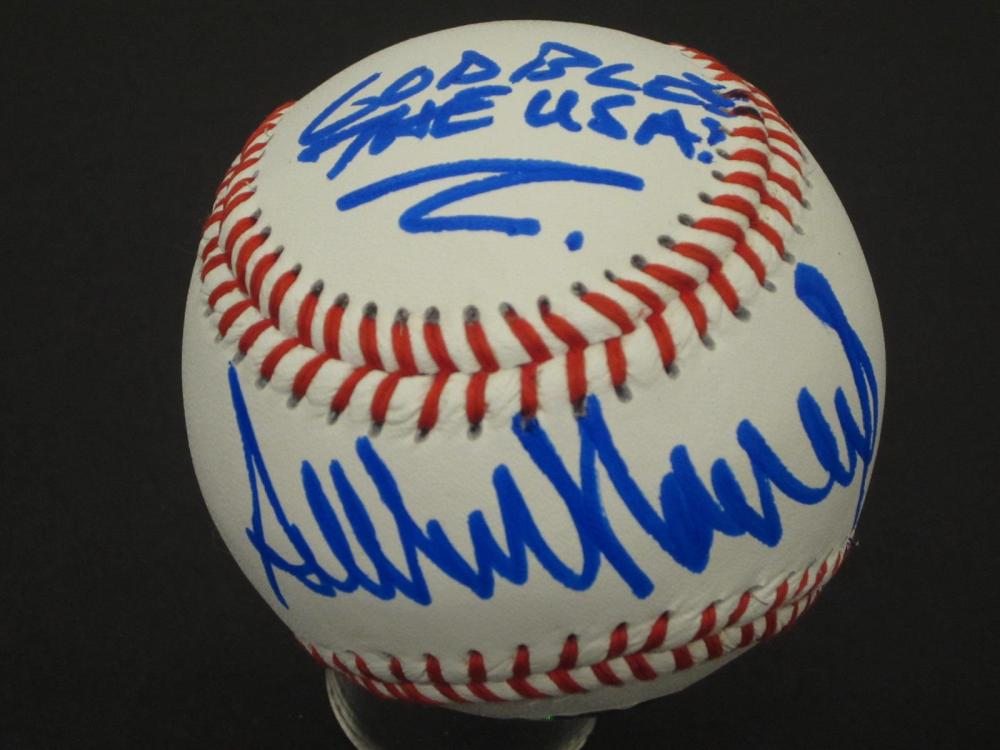 Lot 945: Donald Trump 45th President signed autographed Baseball Certified