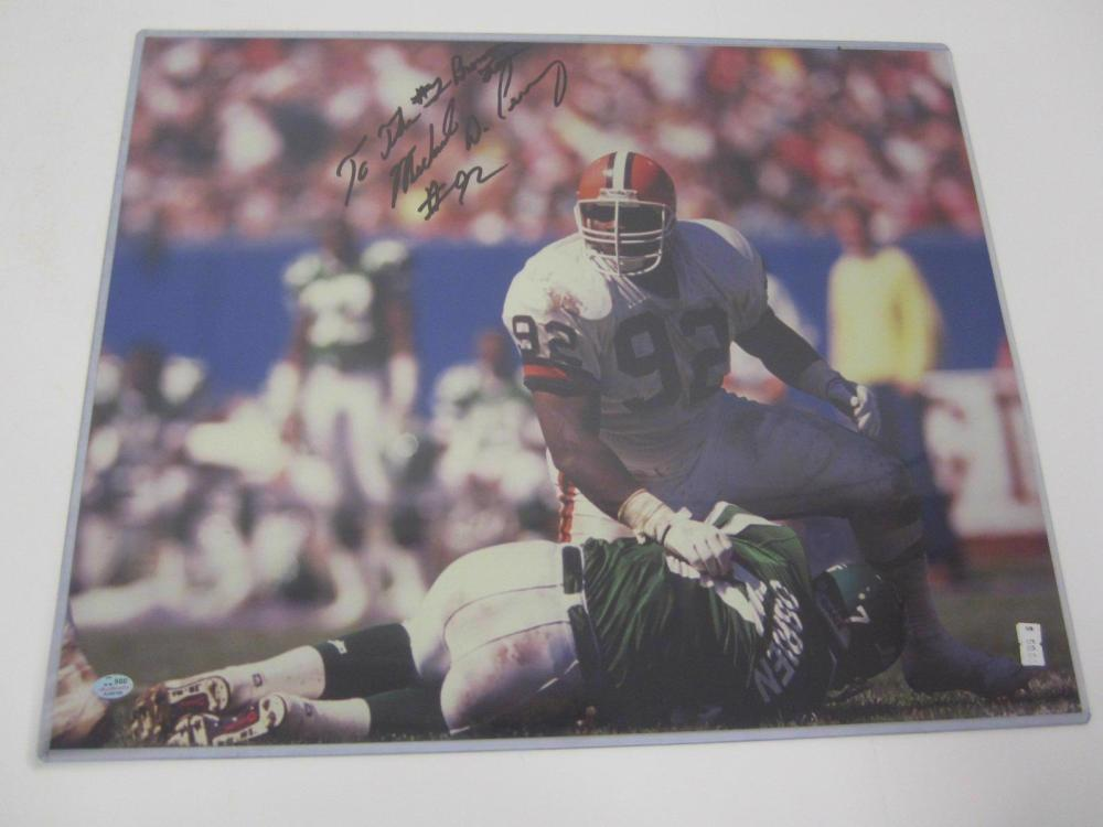 Lot 1074: MICHAEL DEAN PERRY SIGNED AUTOGRAPHED BROWNS 16X20 SGC COA