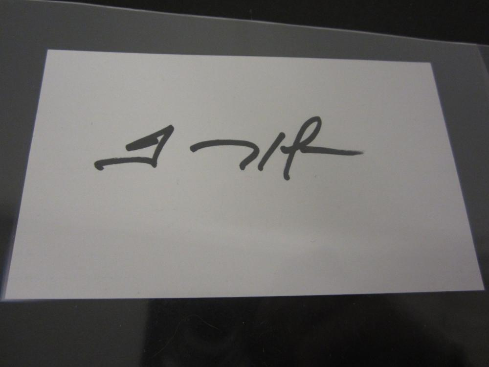 Lot 1104: TREVOR HOFFMAN HAND SIGNED AUTOGRPAHED INDEX CARD WITH COA