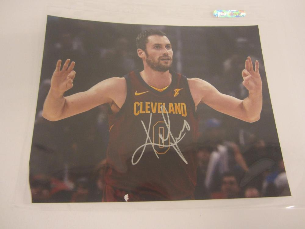 Lot 1133: KEVIN LOVE SIGNED AUTOGRAPHED CAVALIERS 8X10 COA