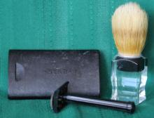 Vintage Star DE Safety Razor w/ Lucite Brush