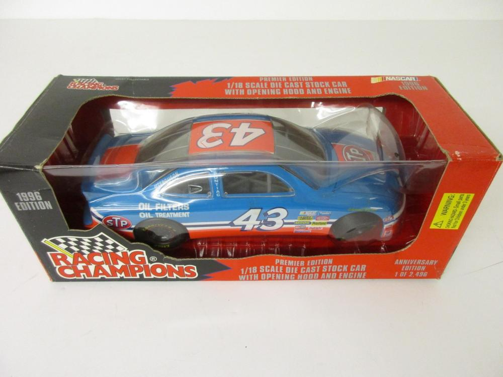 Bobby Hamilton 1996 Racing Champions 1/18 scale Die Cast Richard Petty