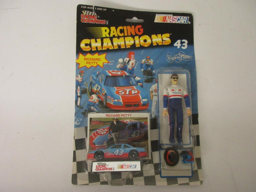 Richard Petty Racing Champions NASCAR Die Cast 1/64 scale w/ action figure