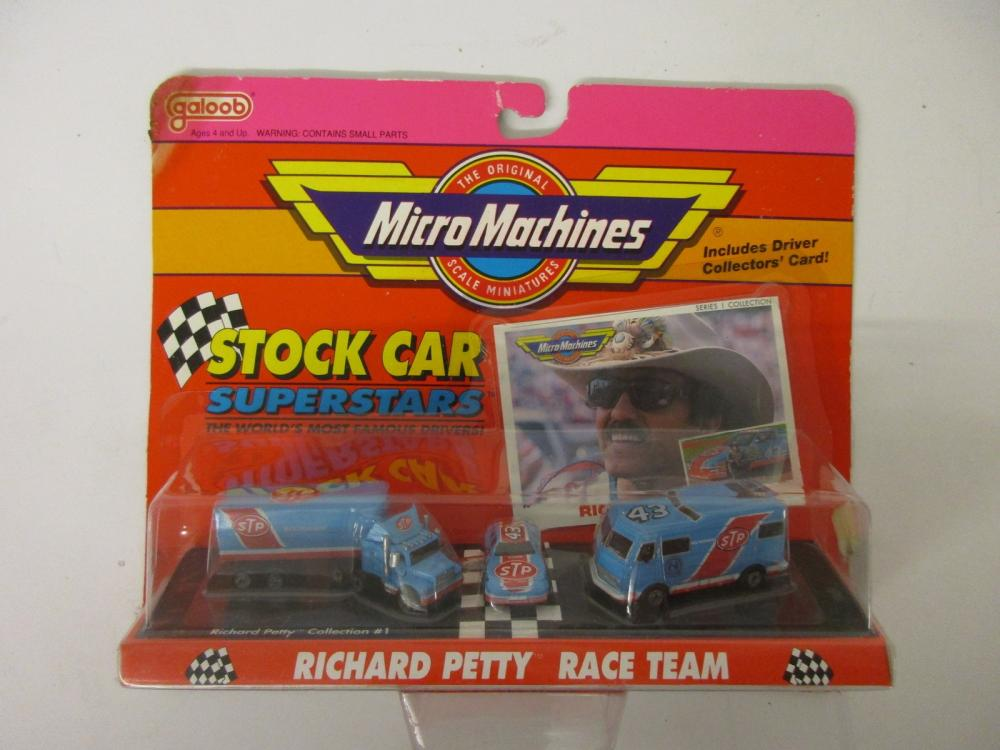 Richard Petty Race Team Micro Machines Stock Car Superstars w/ collectors card