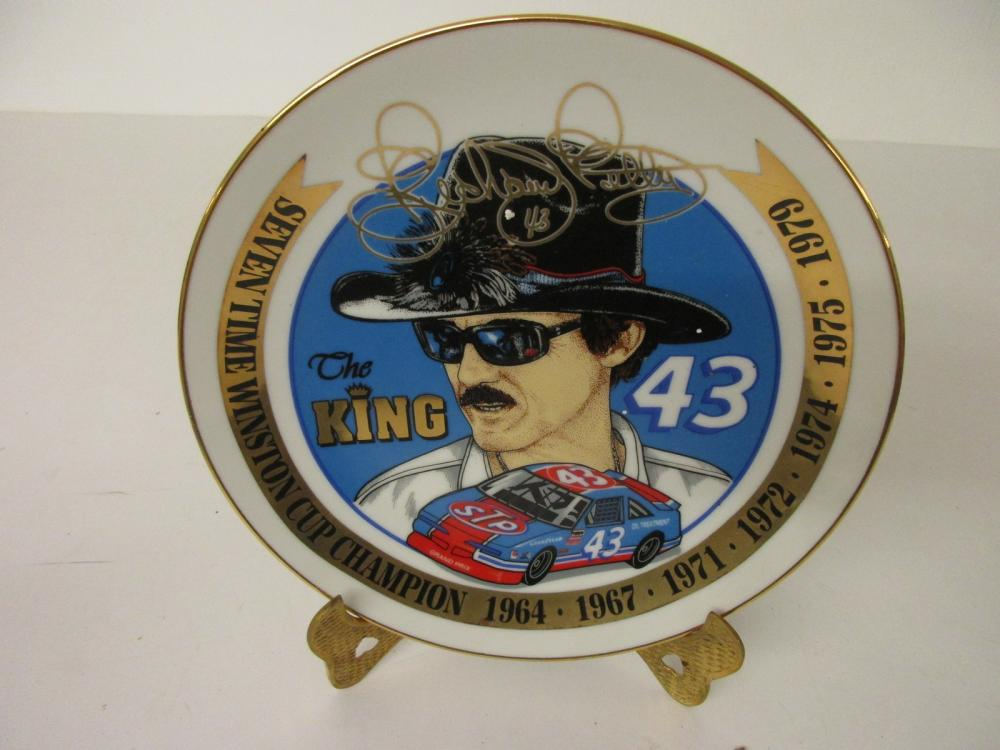 "Richard Petty ""The King"" 7x Winston Cup Champion Limited Edition Collectors Plate"