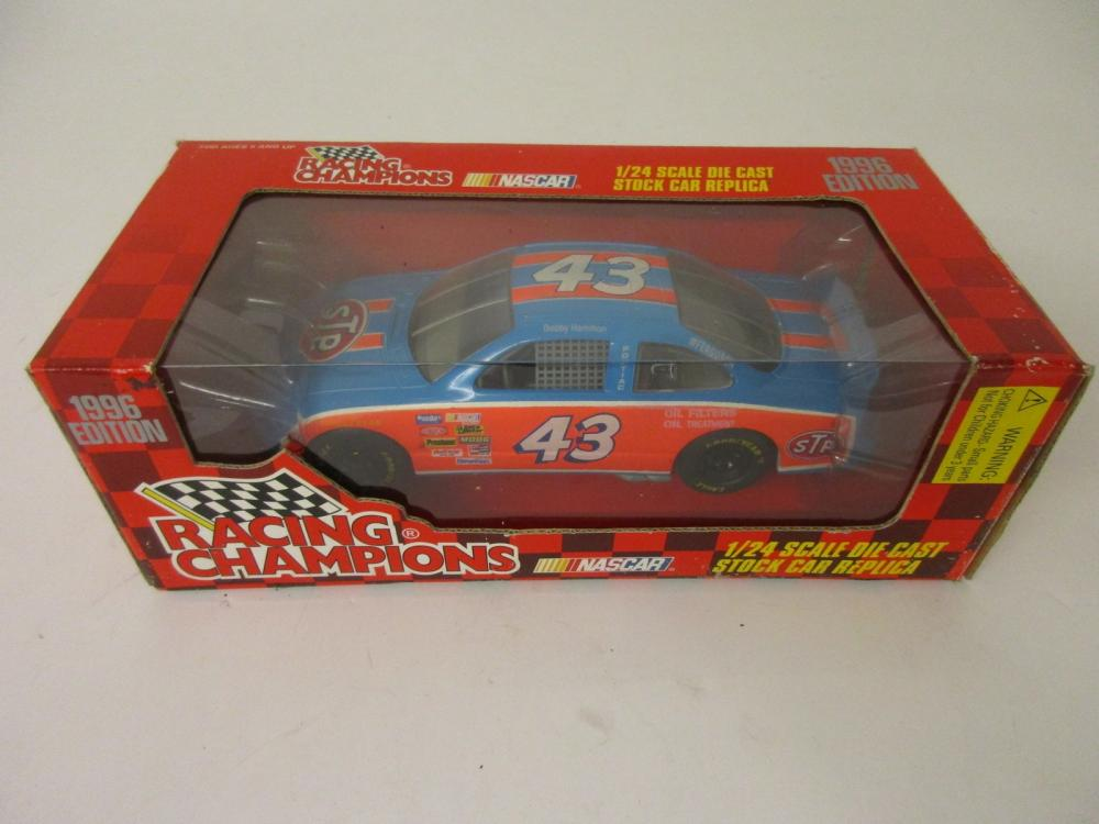 Richard Petty 1996 Racing Champions Edition 1/24 scale die cast stock car replica
