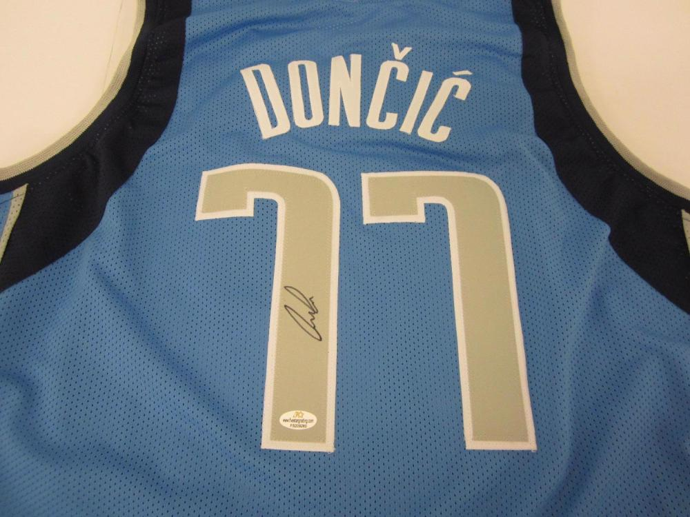 Luka Doncic Mavericks signed autographed Jersey Certified Coa
