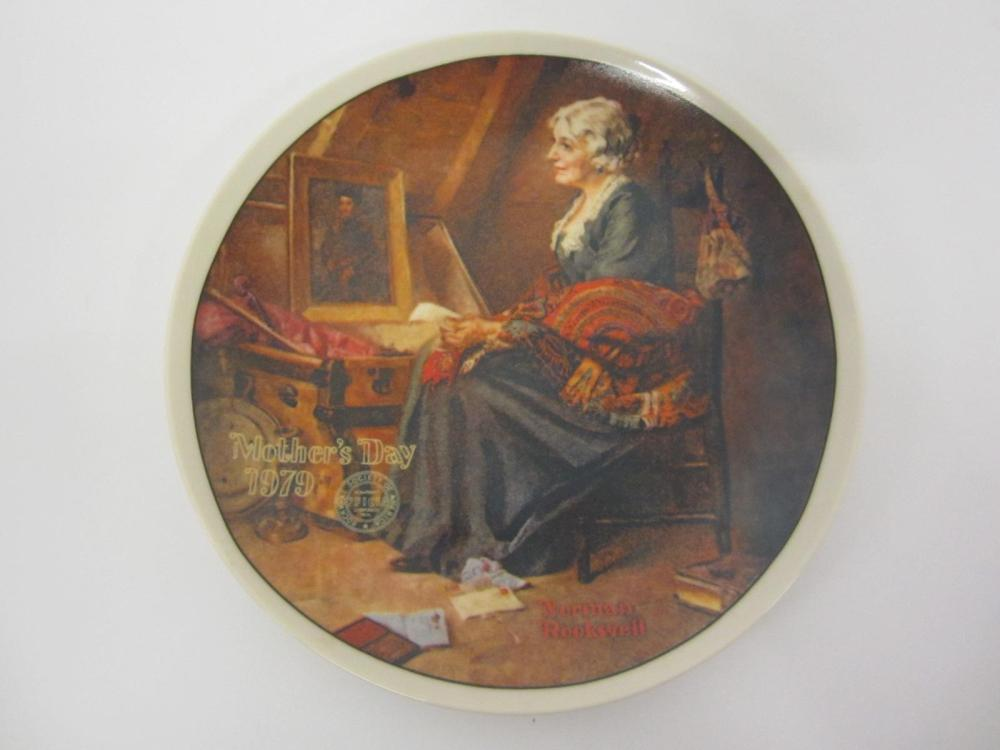 "NORMAN ROCKWELL VINTAGE GLASS PLATE ""REFLECTIONS"" MOTHERS DAY 1979"