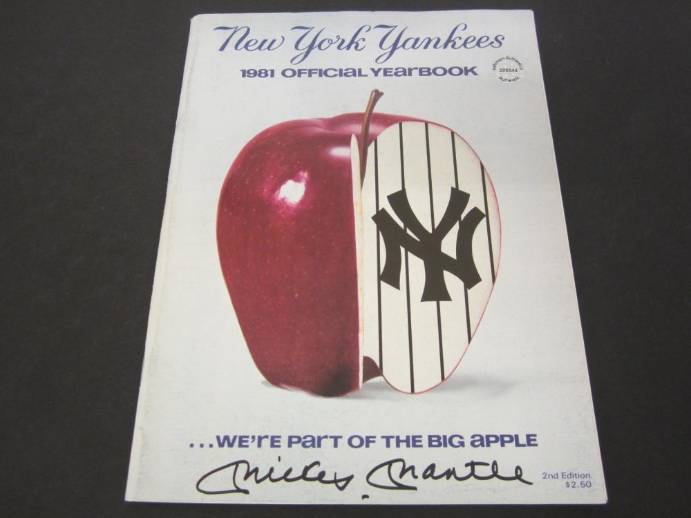 Mickey Mantle New York Yankees Signed 2001 Yankees Yearbook Certified Coa