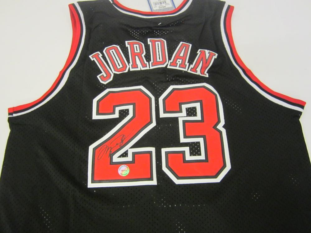 Michael Jordan Chicago Bulls Signed Autographed jersey Certified Coa