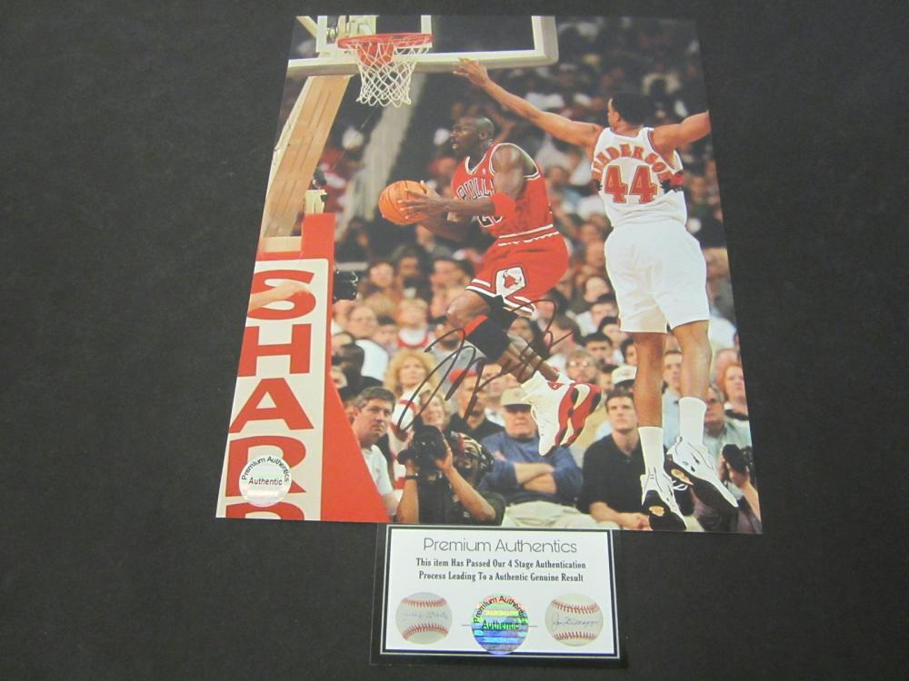 Michael Jordan Chicago Bulls Signed Autographed 8x10 photo Certified Coa