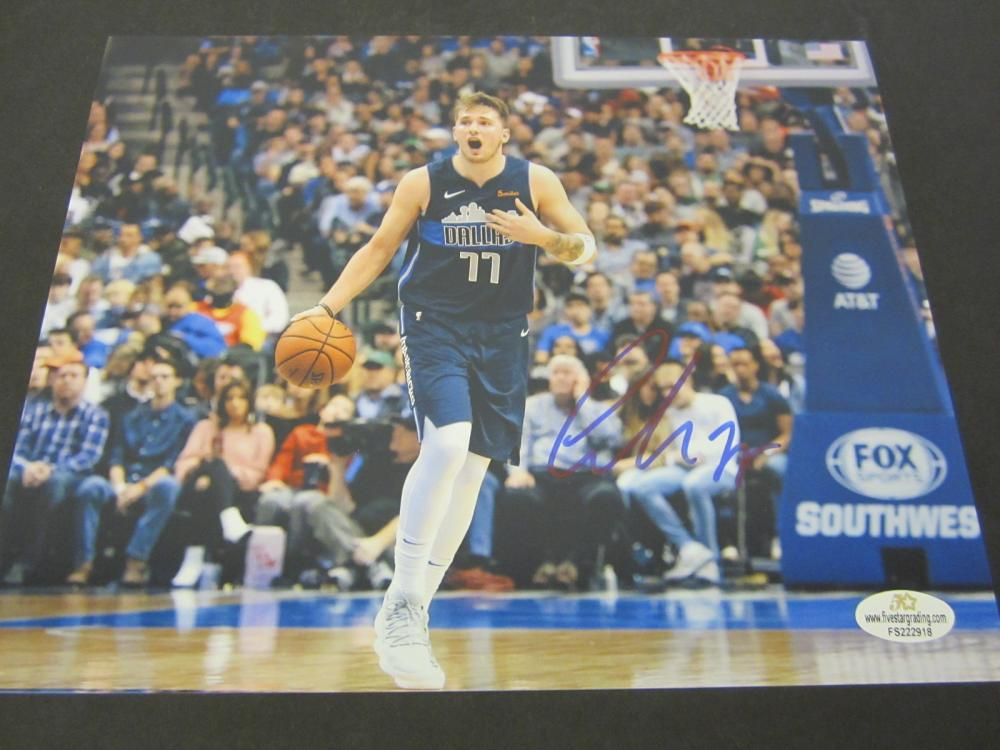 Luka Doncic Dallas Mavericks Signed Autographed 8x10 photo Certified Coa