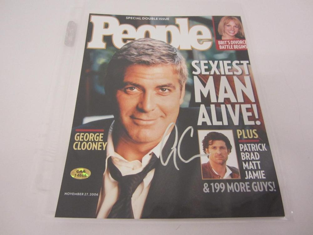 GEORGE CLOONEY SIGNED AUTOGRAPHED ACTOR 8X10 COA