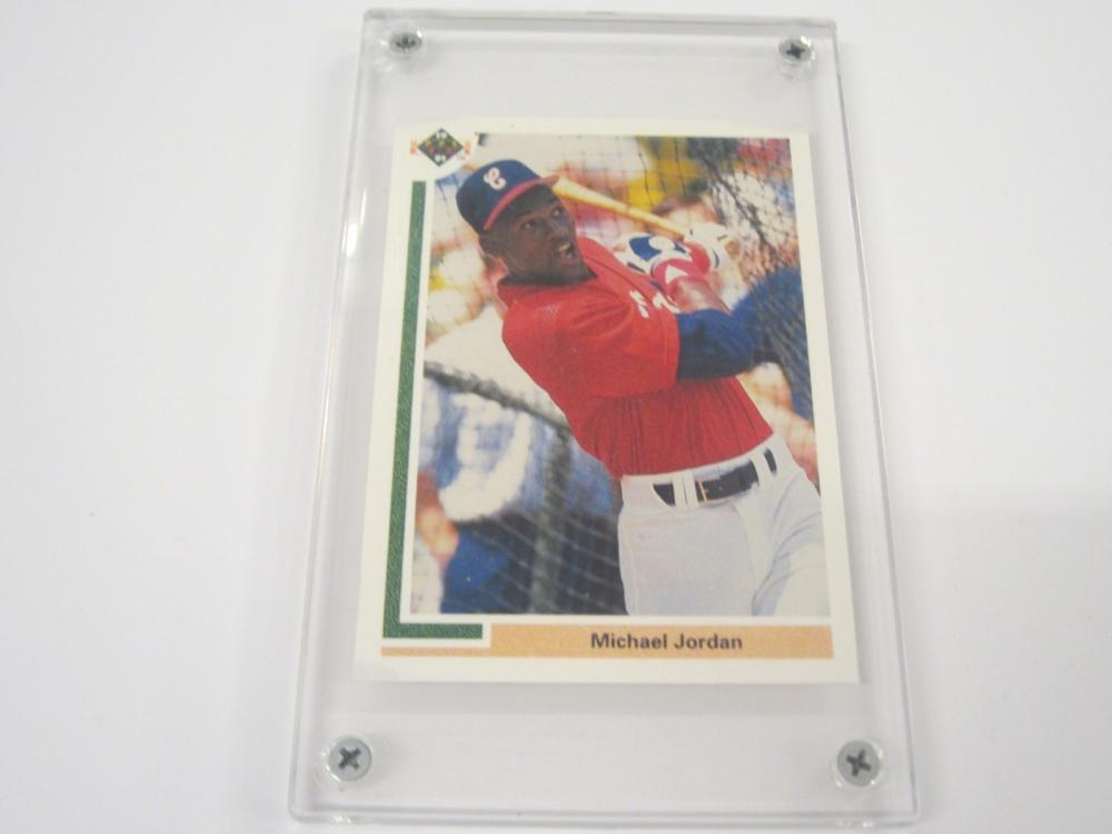 1990 UPPERDECK BASEBALL MICHAEL JORDAN WHITESOX CARD