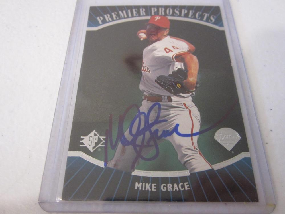 MIKE GRACE PHILLIES SIGNED AUTOGRAPHED CARD COA