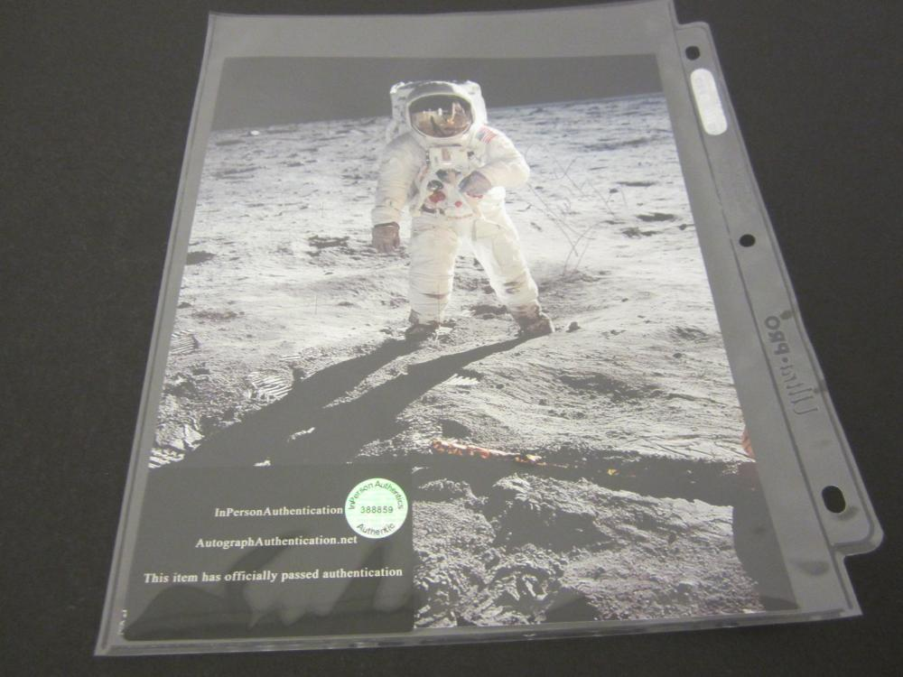 NEIL ARMSTRONG SIGNED AUTOGRAPHED NASA 8X10 COA